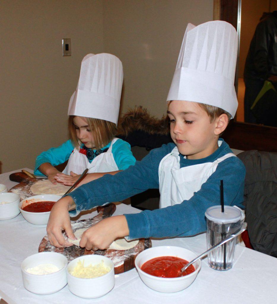 pinstripes chicago kids pizza making