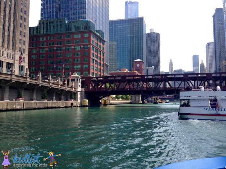water taxi shoreline chicago