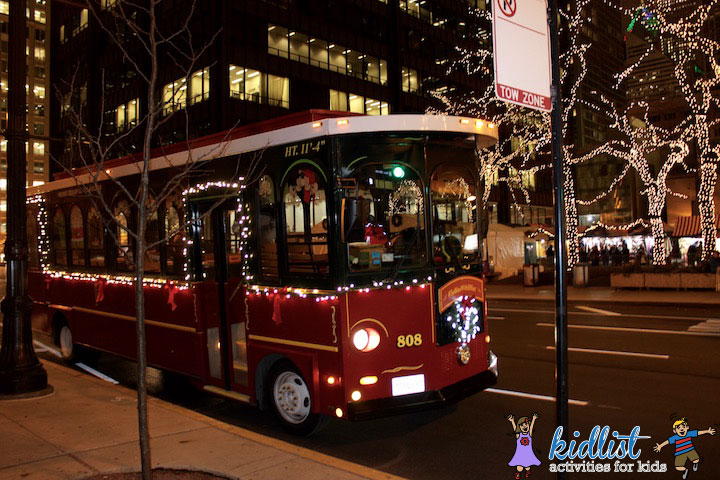 chicago-trolley-holiday-lights-kidlist