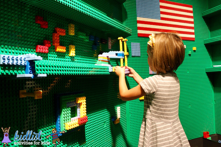 wall-of-LEGO-bases-and-bricks