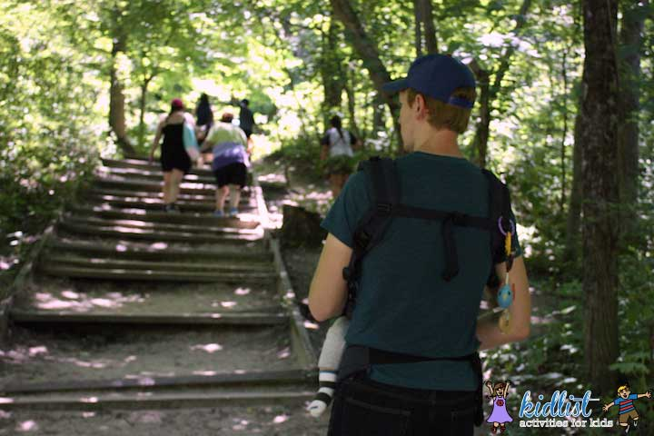 starved-rock-with-kids-baby-carrier