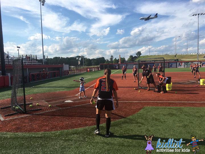 chicago-bandits-batting-practice