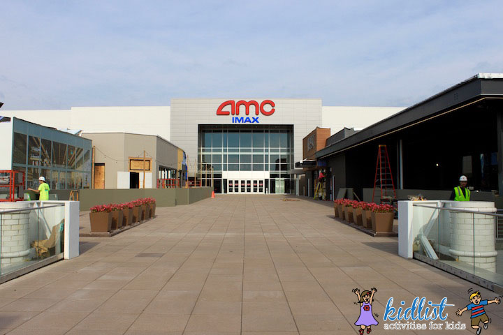 amc-oakbrook-12-food-court