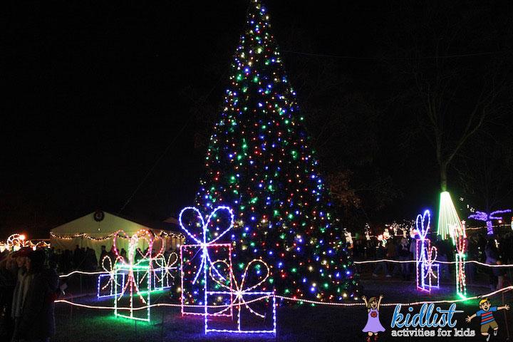 naper-lights-christkindlmarket-naperville