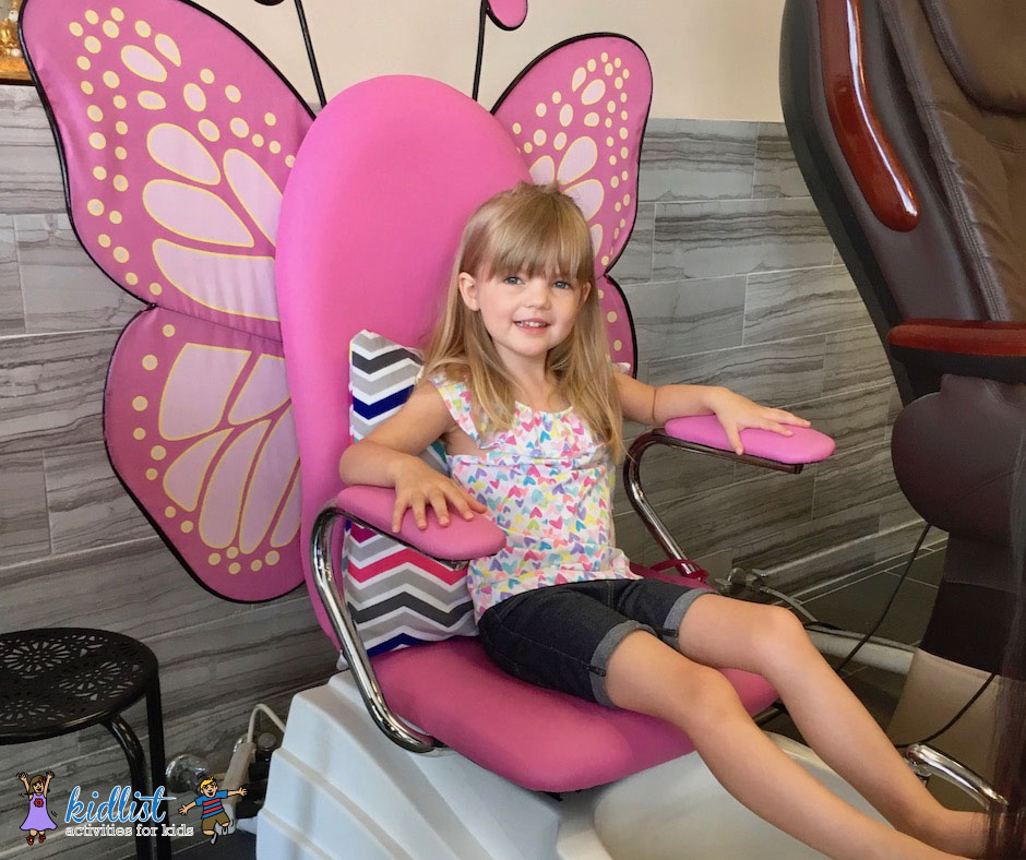 Kid-Friendly Nail Salons in Chicago\'s West Suburbs